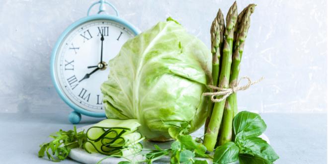 Stoffwechseldiät Easy-Body-System Low-Carb Ernährung frisches Gemüse Spargel Weißkohl