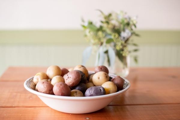 Traditionelle und köstliche Raclette Ideen fürs Pfännchen mit Tipps bunte kartoffel sorten