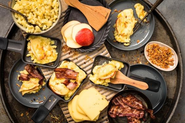 Traditionelle und köstliche Raclette Ideen fürs Pfännchen mit Tipps grillparty ideen mit freunden