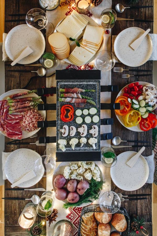 Traditionelle und köstliche Raclette Ideen fürs Pfännchen mit Tipps tischdeko für 6 personen