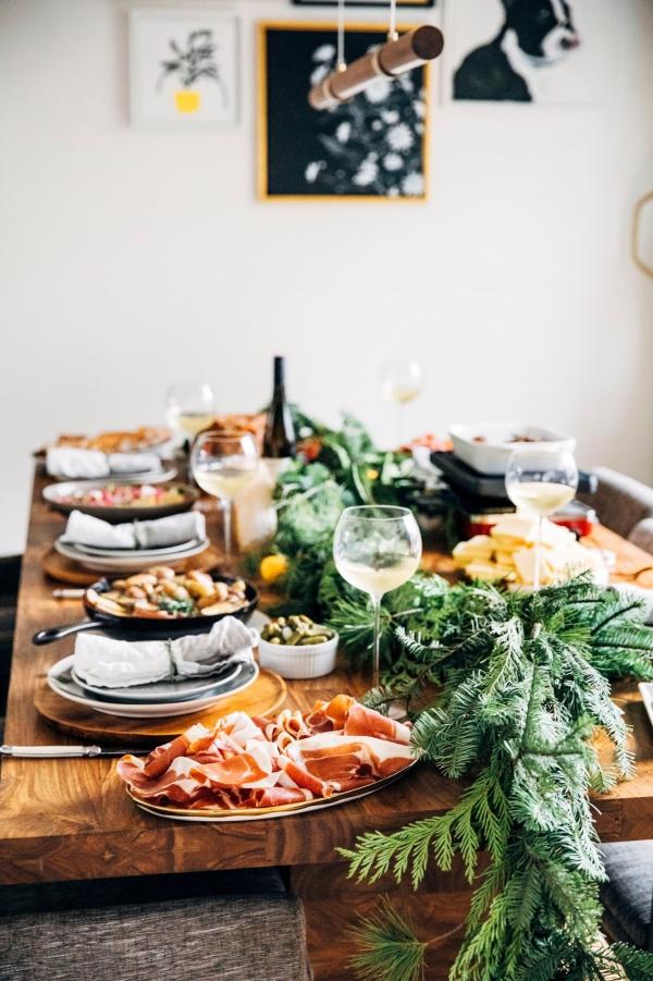 Traditionelle und köstliche Raclette Ideen fürs Pfännchen mit Tipps tischdeko zweige weihnachten