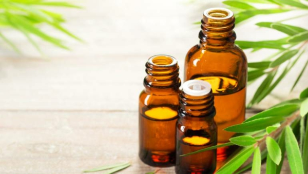Was hilft gegen Juckreiz jukende Haut Teebaumöl