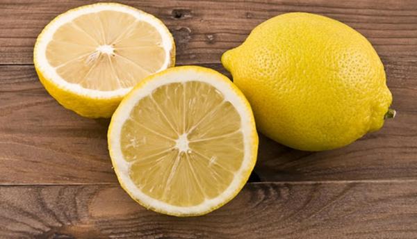 Was hilft gegen Juckreiz jukende Haut Zitronen