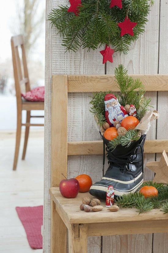 Weihnachsdeko 3 Must-Haves Stiefel gesteckt mit Orangen Süßigkeiten Tannengrün