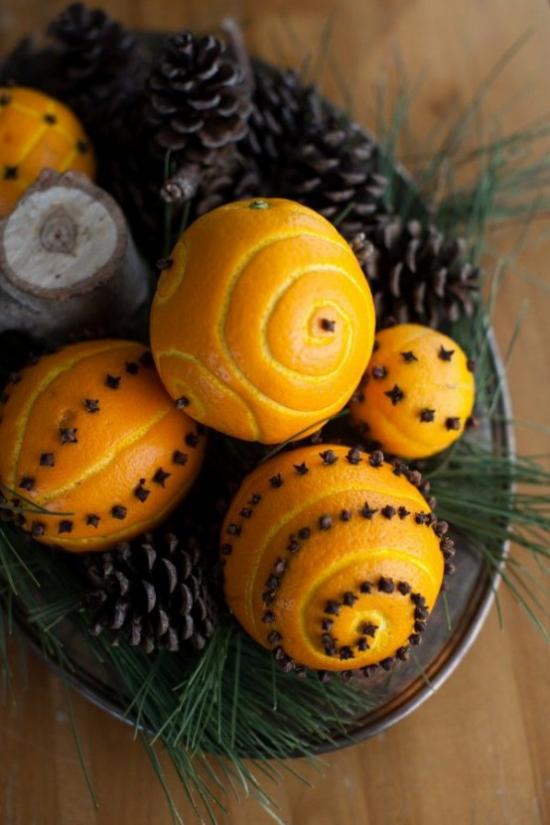 Weihnachsdeko 3 Must-Haves weihnachtliche Aromen Orangenduft Gewürznelken