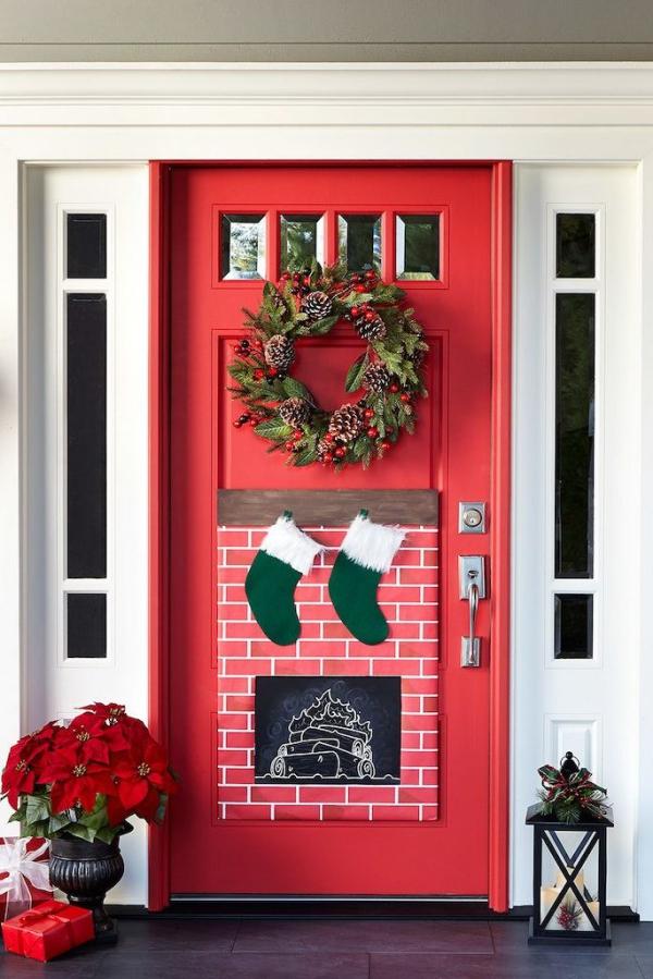 Weihnachtsdeko vor der Haustür – Ideen und Tipps für mehr festliche Stimmung feuerstelle deko weihnachtsmann stiefel