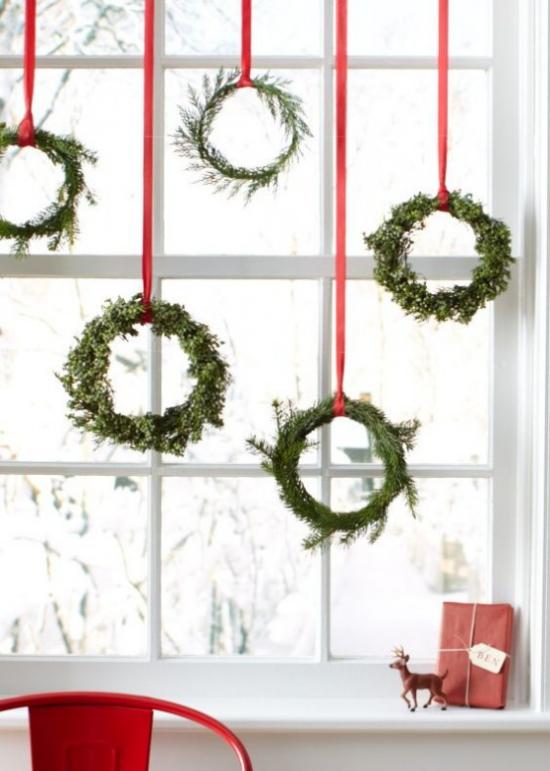 Weihnachtskranz schöner Schmuck für Fenster Tür Wand deko ideen