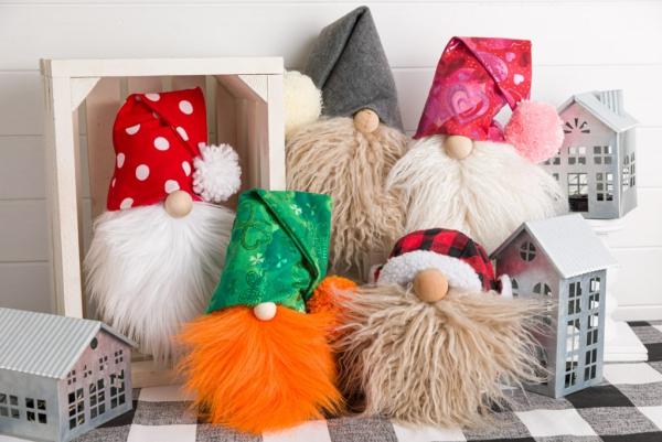 Weihnachtswichtel basteln – Ideen und Anleitung für eine fantastische Winterdeko tomte nisse verschiedene designs