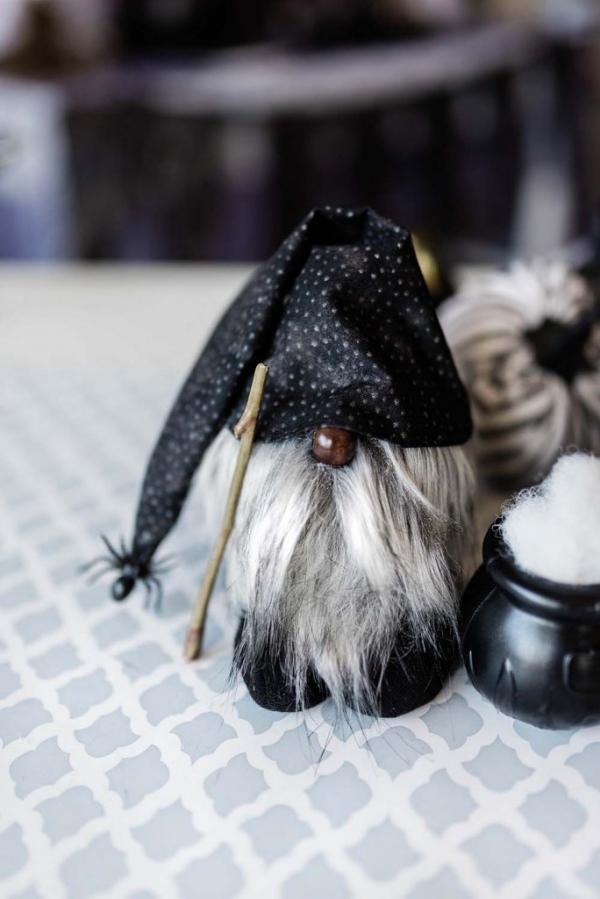 Weihnachtswichtel basteln – Ideen und Anleitung für eine fantastische Winterdeko zwerg halloween deko ideen