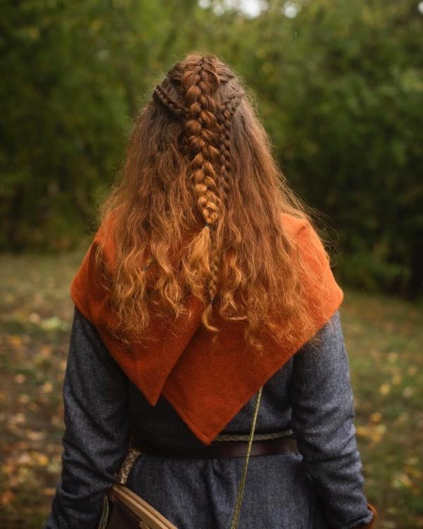 Wikinger Frisuren für Damen und Herren, inspiriert von der nordischen Kultur damen zopf rote haare historisch