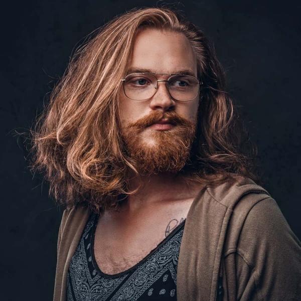 Wikinger Frisuren für Damen und Herren, inspiriert von der nordischen Kultur klassische halblange frisur mann
