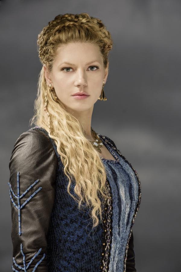 Wikinger Frisuren für Damen und Herren, inspiriert von der nordischen Kultur lagertha frisur blond lang zöpfe