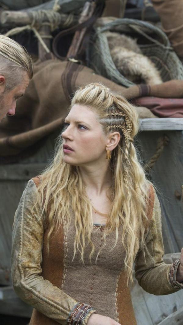 Wikinger Frisuren für Damen und Herren, inspiriert von der nordischen Kultur vikings frisur lagertha heldin