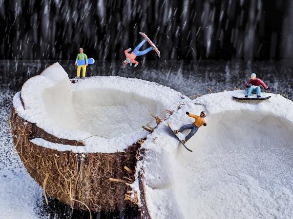 Winterlandschaft basteln – weihnachtliche Ideen, fantastisch einfache Anleitungen und Tipps lustige landschaft mit snowboards