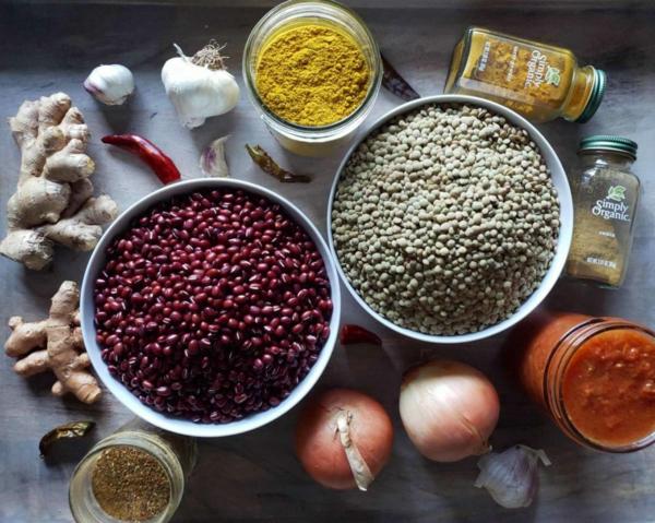 adzukibohnen und linsen madras curry zubereiten