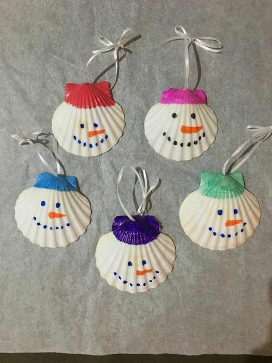 einfache günstige weihnachtsdeko idee schneemänner aus muscheln