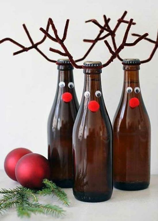 günstige weihnachtsdeko basteln mit flaschen und pfeifenputzer