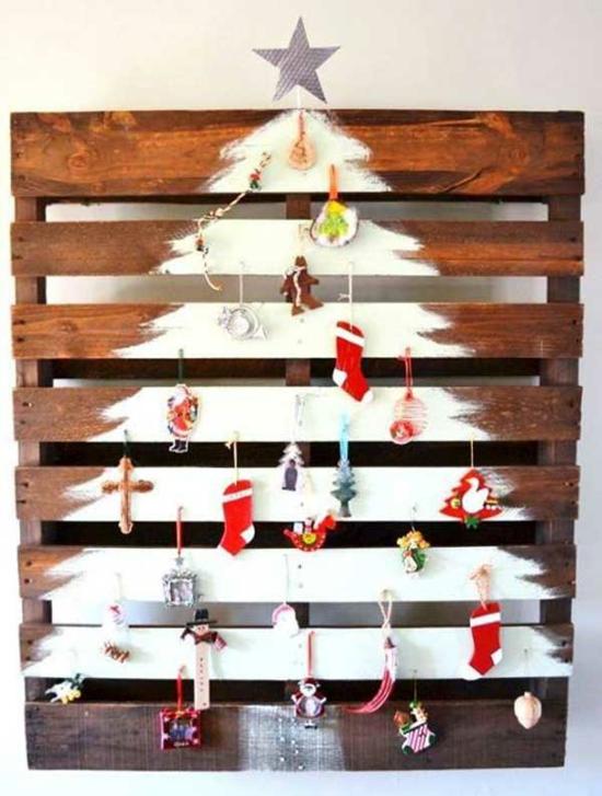 günstige weihnachtsdeko diy weihnachtsbaum aus europalette