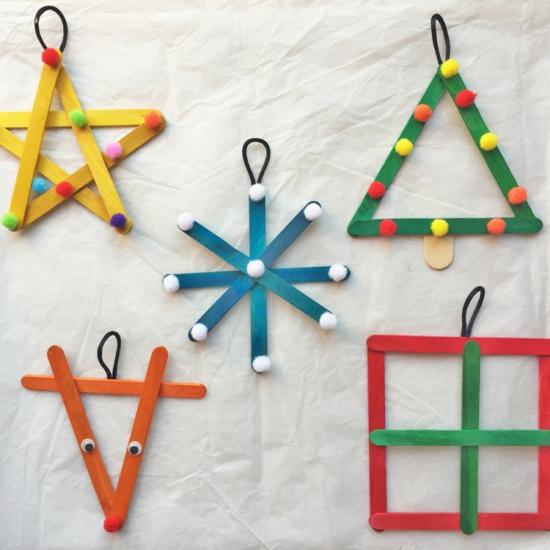 günstige weihnachtsdeko mit holzstäbchen basteln