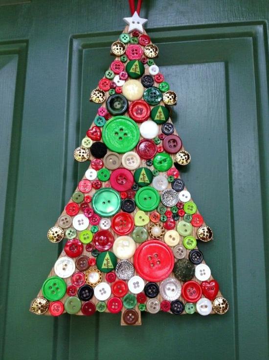 günstige weihnachtsdeko türdeko tannenbaum aus knöpfen