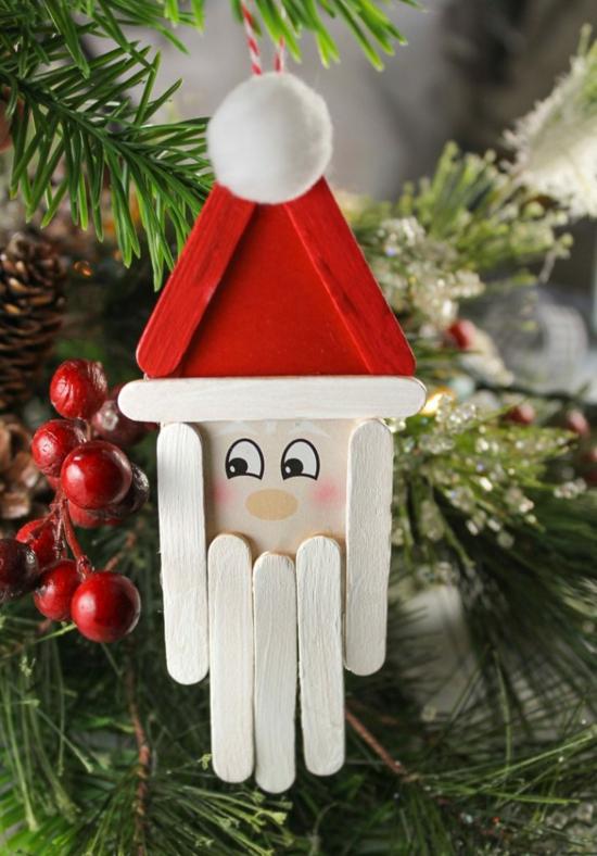 günstige weihnachtsdeko weihnachtsmann aus holzstäbchen basteln