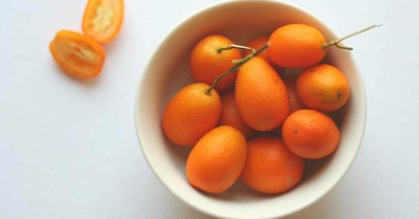 kumquat früchte gepflückt