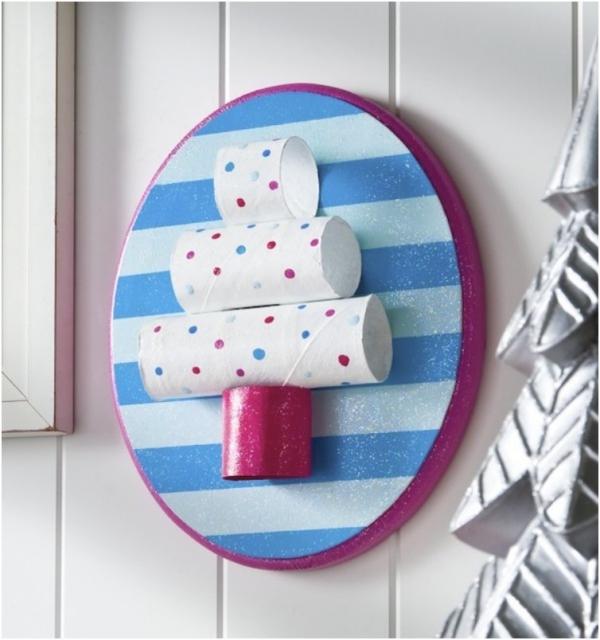Basteln mit Toilettenpapierrollen zu Weihnachten – kreative Upcycling Ideen und Anleitung christbaum deko wanddeko