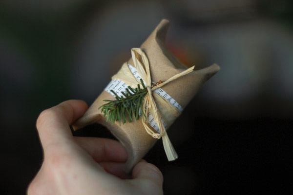 Basteln mit Toilettenpapierrollen zu Weihnachten – kreative Upcycling Ideen und Anleitung gast geschenk ideen tischdeko