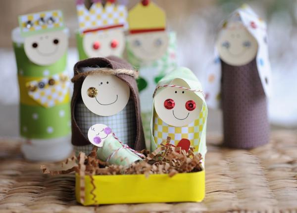 Basteln mit Toilettenpapierrollen zu Weihnachten – kreative Upcycling Ideen und Anleitung geburt jesu mini figuren