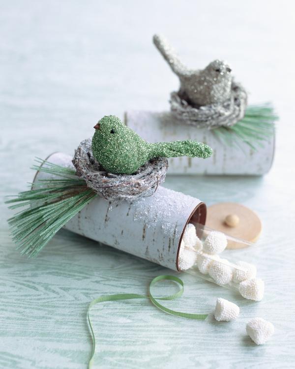 Basteln mit Toilettenpapierrollen zu Weihnachten – kreative Upcycling Ideen und Anleitung geschenke überraschung bonbons vogel birken rinde
