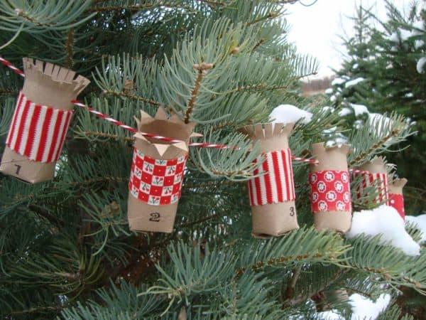 Basteln mit Toilettenpapierrollen zu Weihnachten – kreative Upcycling Ideen und Anleitung girlande ornament basteln