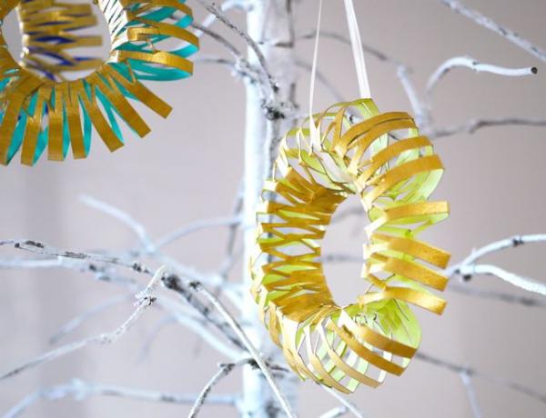 Basteln mit Toilettenpapierrollen zu Weihnachten – kreative Upcycling Ideen und Anleitung spirale schneiden christbaum