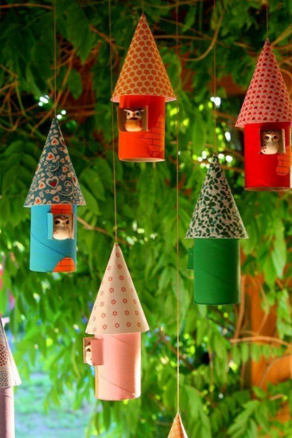 Basteln mit Toilettenpapierrollen zu Weihnachten – kreative Upcycling Ideen und Anleitung weihnachtsdort winterdorf ornamente