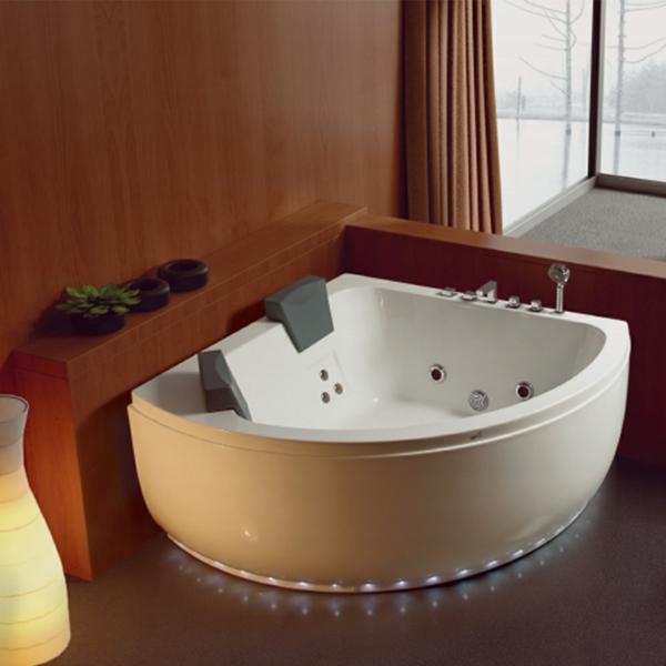 Eckbadewanne Ideen Lösung fürs kleine Badezimmer