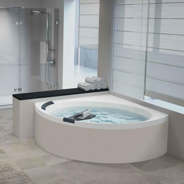 Eckbadewanne Lösung fürs kleine Badezimmer