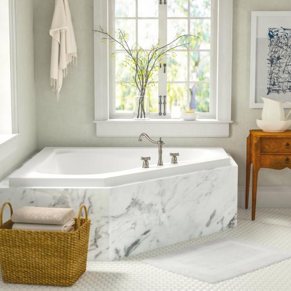 Eckbadewanne Vorteile kleines Badezimmer einrichten Eckwanne