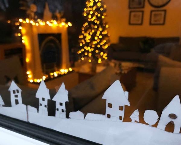 Fensterdeko zu Weihnachten Aufkleber Häuschen