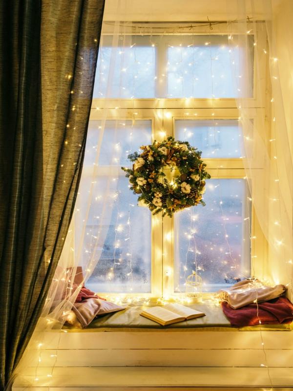 Fensterdeko zu Weihnachten Weihnachtsdekoration Fensterbank verzieren