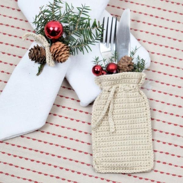 Festliche Bestecktaschen zu Weihnachten selber nähen gestrickte Bestecktasche