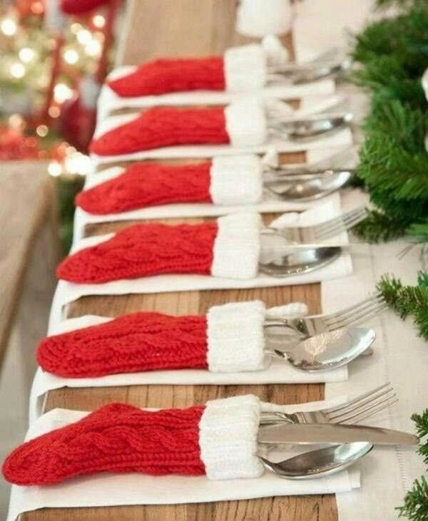 Festliche Bestecktaschen zu Weihnachten selber nähen rote Socken