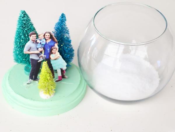 Fotogeschenke basteln zu Weihnachten – kreative Ideen und Anleitung foto geschenke schneekugel anleitung