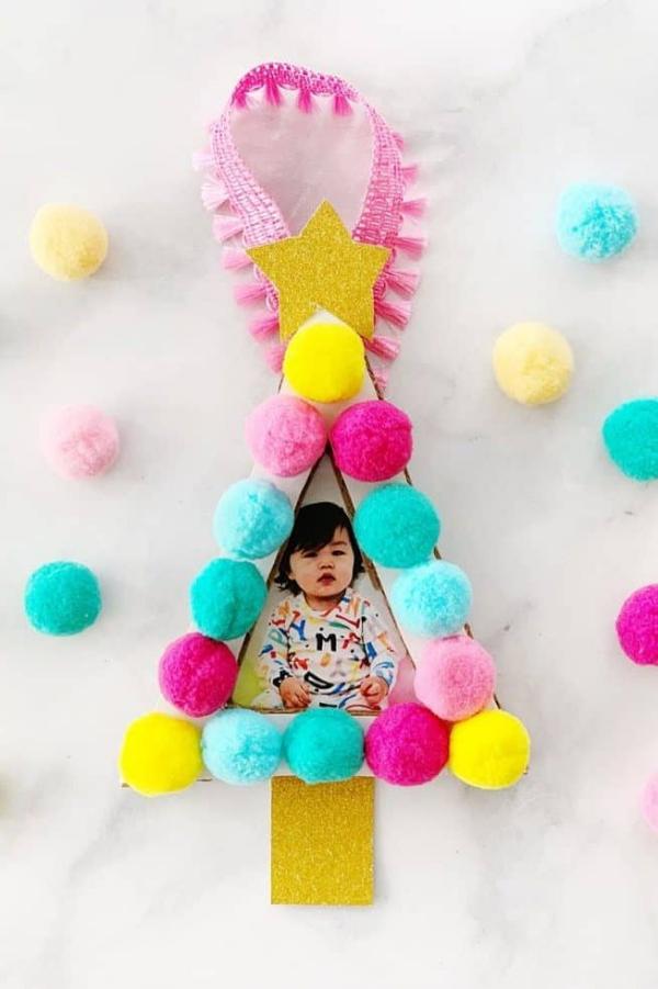 Fotogeschenke basteln zu Weihnachten – kreative Ideen und Anleitung tannenbaum foto rahmen diy
