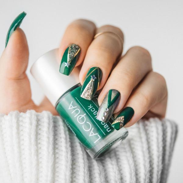 Gelnägel zu Weihnachten – hübsche Ideen und aktuelle Farbtrends grün silber kombi aktuell