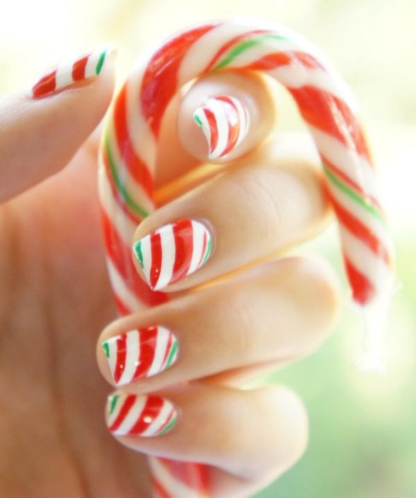 Gelnägel zu Weihnachten – hübsche Ideen und aktuelle Farbtrends zuckerstange rot weiß grün