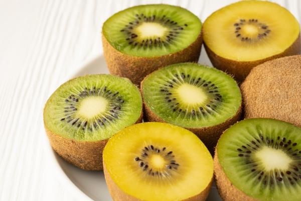 Gesündestes Obst Top 5 der nahrhaftesten Sorten kiwis gelb grün lecker schön exotisch