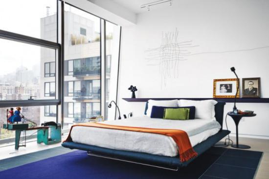 Glaswände im Schlafzimmer in der Großstadt schicke Raumgestaltung Blick nach draußen