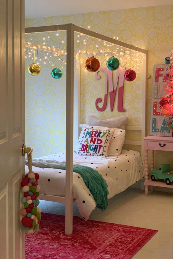 Kinderzimmer weihnachtlich dekorieren ein Mix aus Farben