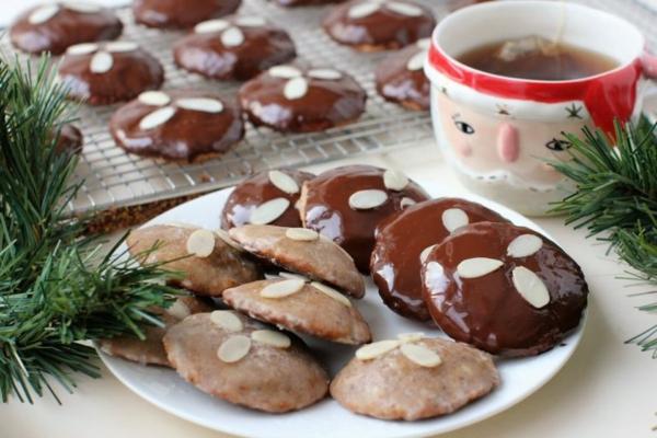 Nürnberger Elisenlebkuchen Rezept Traditionelle mehlfreie Elisenlebkuchen backen
