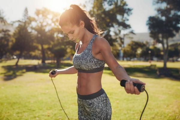 Seilspringen Vorteile Ganzkörpertraining Sportart