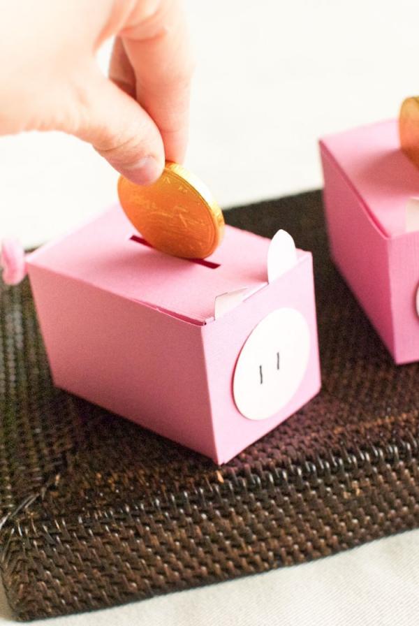Sparschwein basteln – So haben Sie zu Silvester bestimmt Schwein schachtel papier diy schweinchen